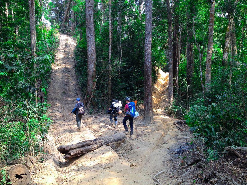 Cung đường trekking đẹp nhất Việt Nam Tà Năng Phan Dũng Mùa cỏ cháy 15