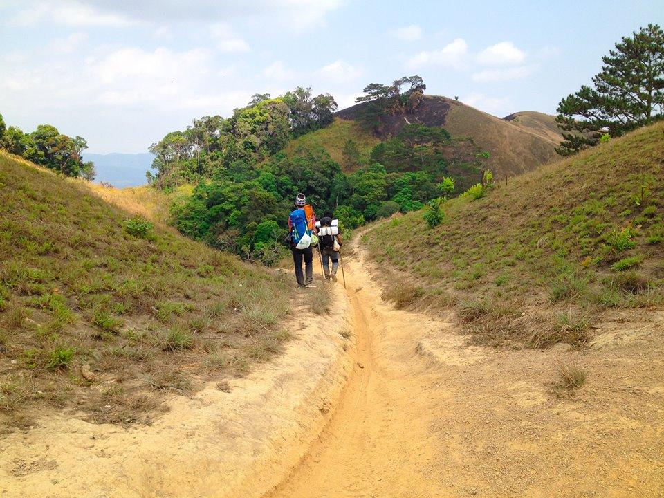 Cung đường trekking đẹp nhất Việt Nam Tà Năng Phan Dũng Mùa cỏ cháy 17