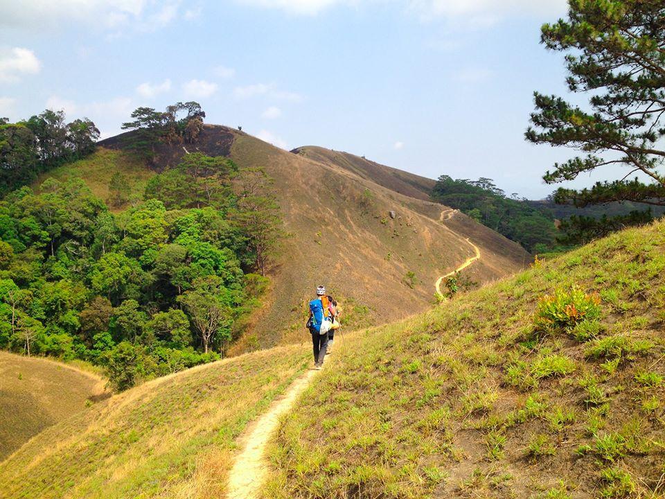 Cung đường trekking đẹp nhất Việt Nam Tà Năng Phan Dũng Mùa cỏ cháy 18