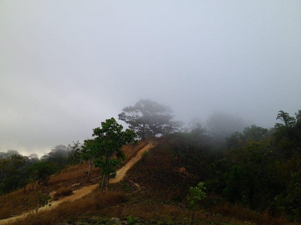 Cung đường trekking đẹp nhất Việt Nam Tà Năng Phan Dũng Mùa cỏ cháy 27