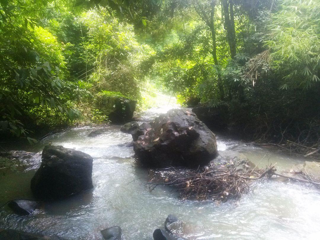Suối Ràng vẫn còn rất đẹp và hoang sơ ít người biết đến
