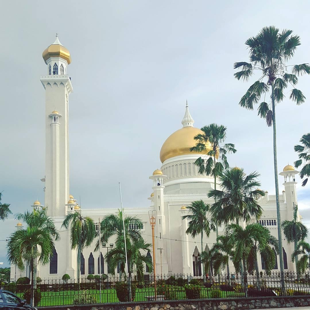 Du lịch bụi Brunei - Thánh đường Omar Ali Saifuddien Mosque 2