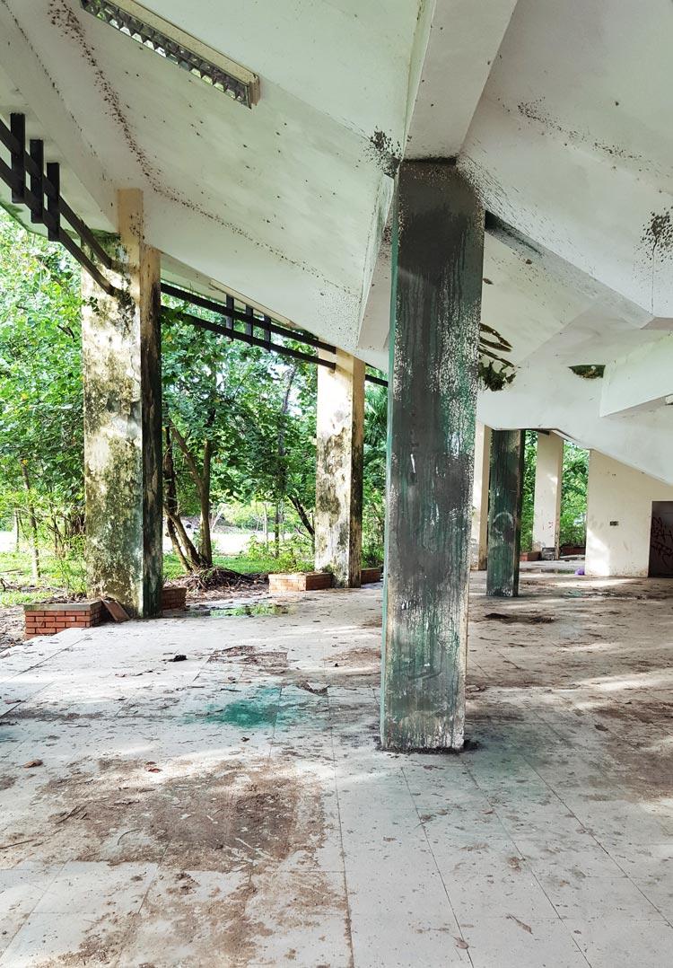 Công viên nước hồ Thủy Tiên - Khu hành lang bị bỏ hoang