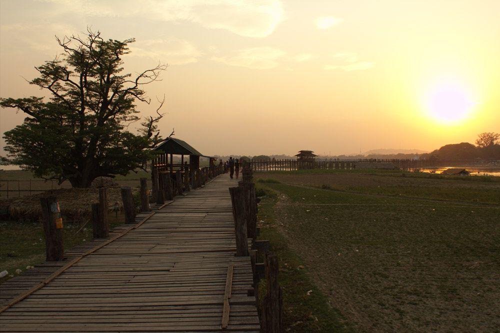 Chia sẻ kinh nghiệm du lịch bụi Myanmar 15 - Cầu U Bein