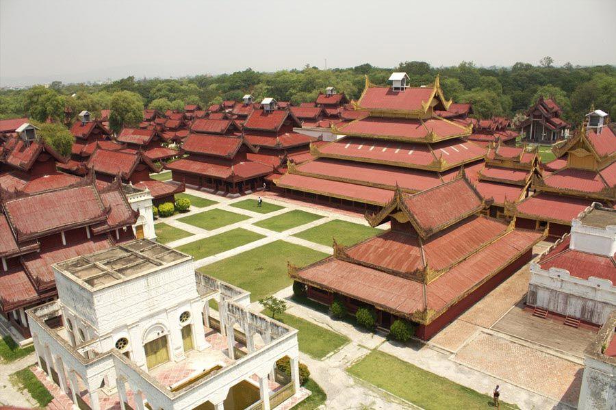 Chia sẻ kinh nghiệm du lịch bụi Myanmar 19 - Mandalay Royal Palace