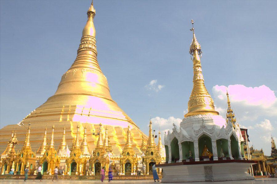 Chia sẻ kinh nghiệm du lịch bụi Myanmar 4 - chùa Shwedagon