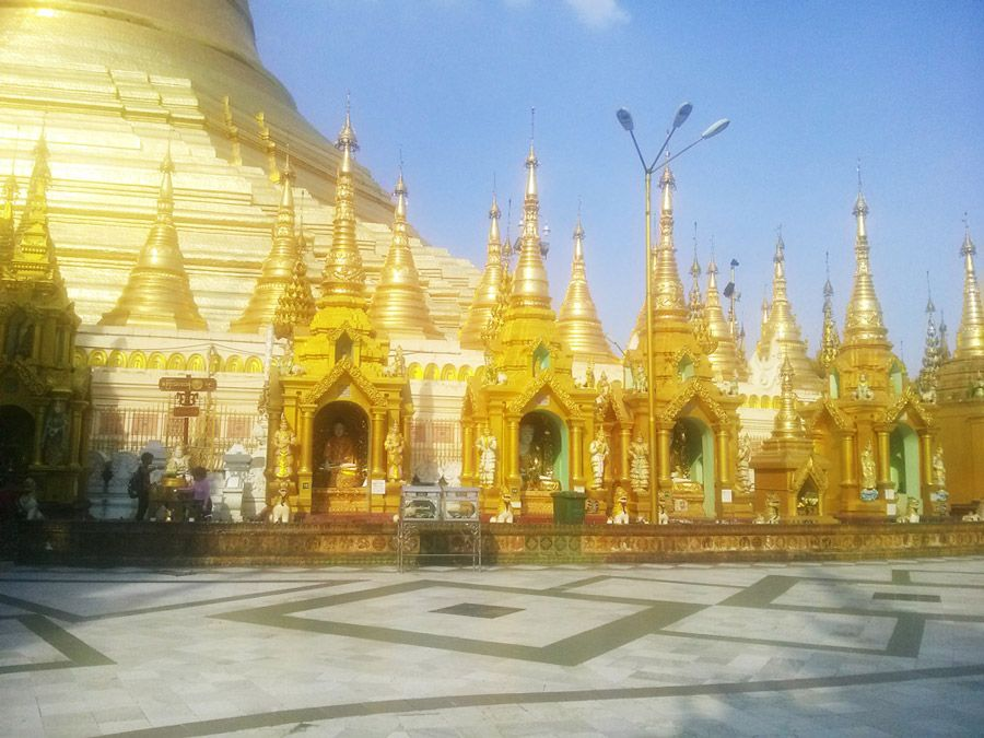 Chia sẻ kinh nghiệm du lịch bụi Myanmar 5 - chùa Shwedagon