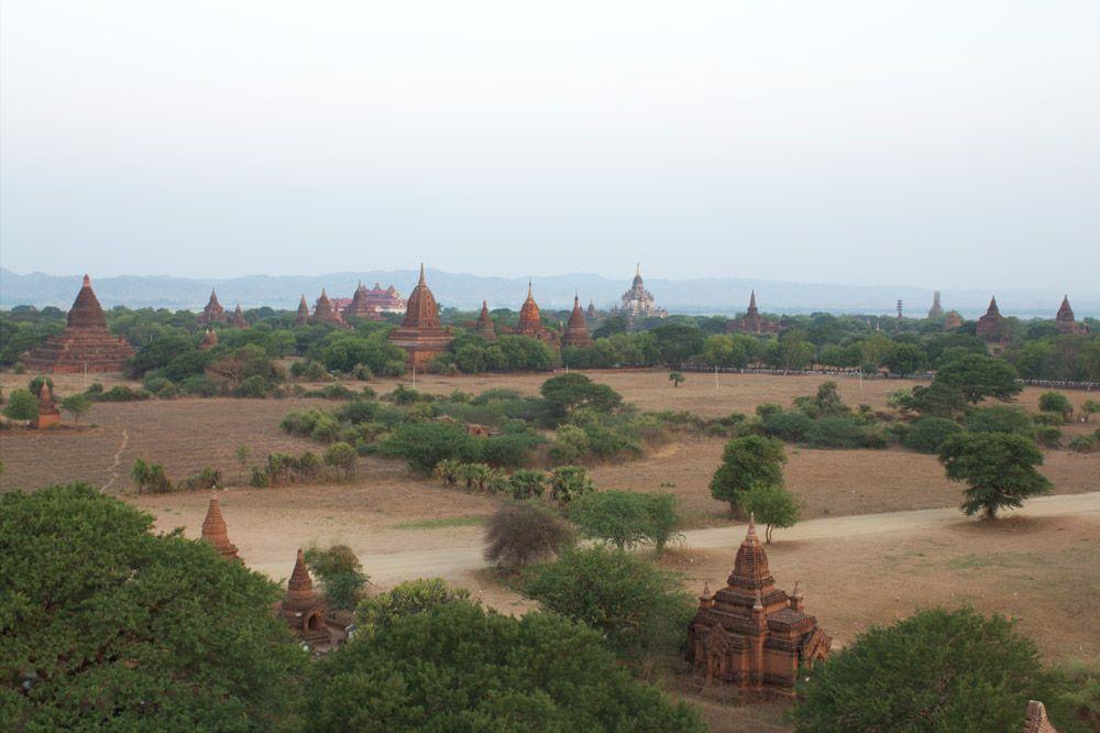 Chia sẻ kinh nghiệm du lịch bụi Myanmar 7 - Đền Shwesandaw