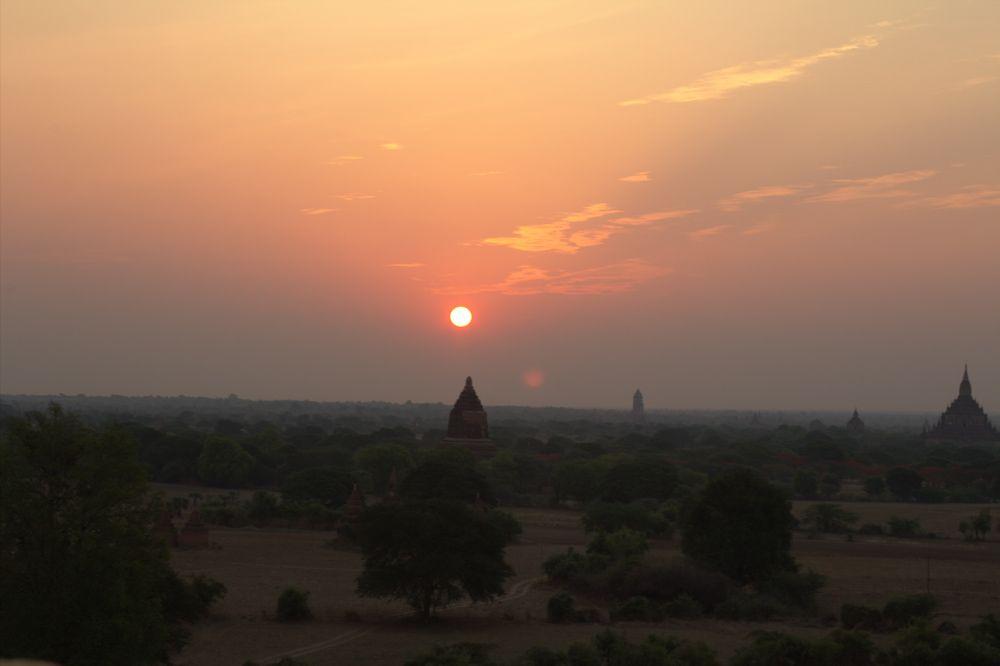 Chia sẻ kinh nghiệm du lịch bụi Myanmar 8 - Đền Shwesandaw