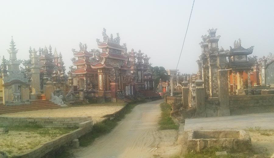 Thành phố ma An Bằng - Đường vào