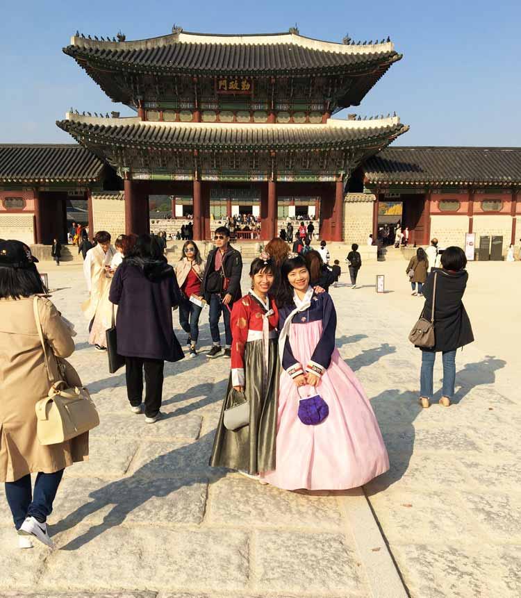 Chia sẻ kinh nghiệm du lịch bụi Hàn Quốc trong 8 ngày - hình 18 - Cung điện GyeoBokGung Palace