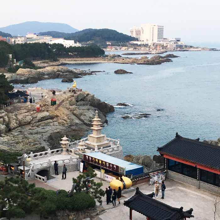Chia sẻ kinh nghiệm du lịch bụi Hàn Quốc trong 8 ngày - hình 7 - Chùa Haedong Yonggungsa Temple