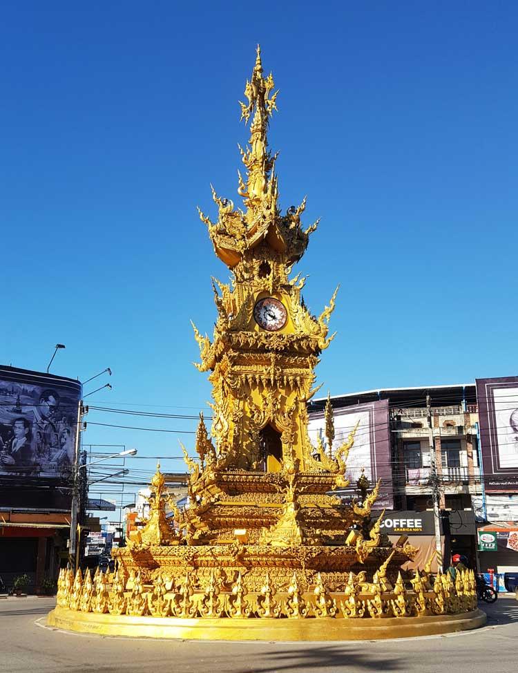 Kinh nghiệm du lịch bụi Thái Lan 16 - Chiang Rai Clock Tower