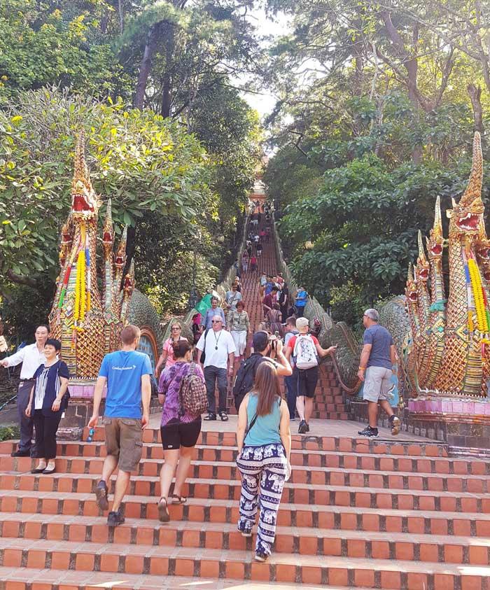 Kinh nghiệm du lịch bụi Thái Lan 20 - Chùa Prathat Doi Suthep
