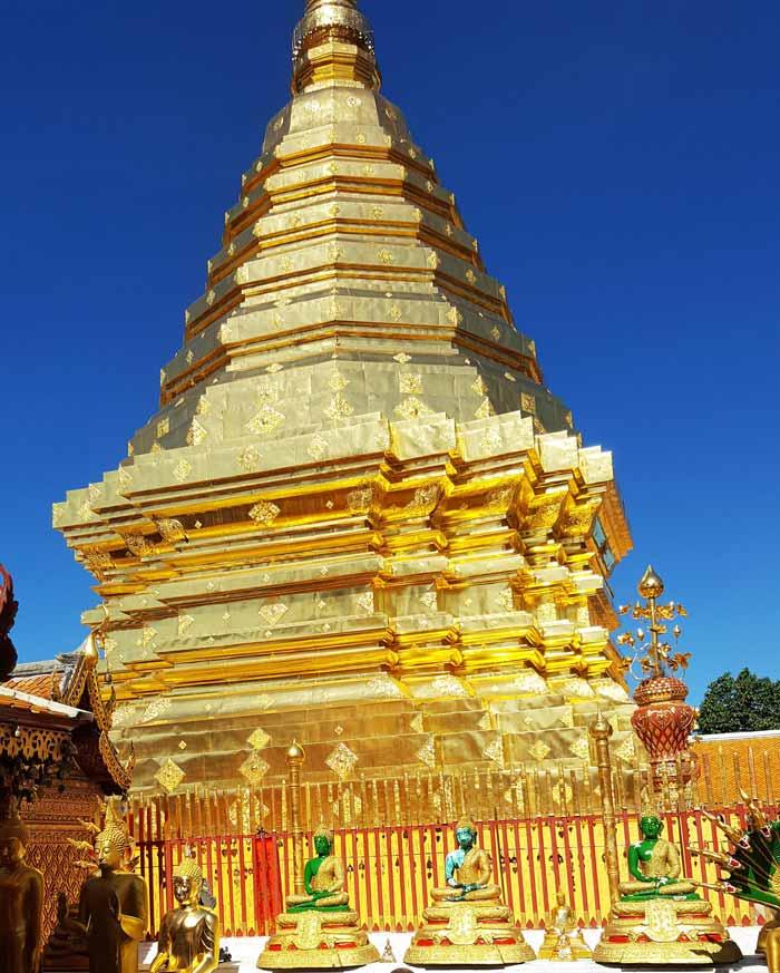 Kinh nghiệm du lịch bụi Thái Lan 21 - Tháp lớn Chùa Prathat Doi Suthep