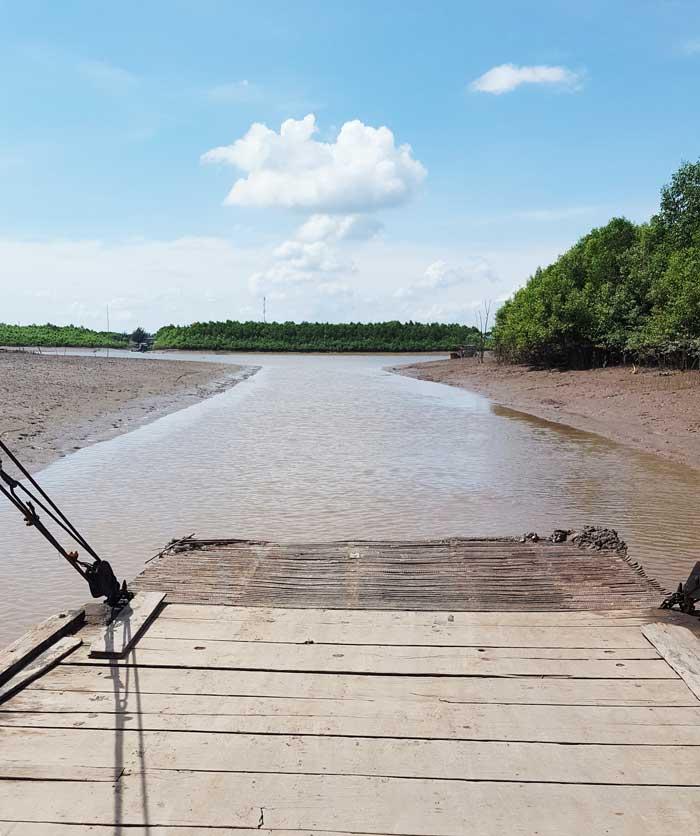 Khám phá 9 cửa sông của hệ thống sông Cửu Long 18 - Đò đi ra sông Ba Lai