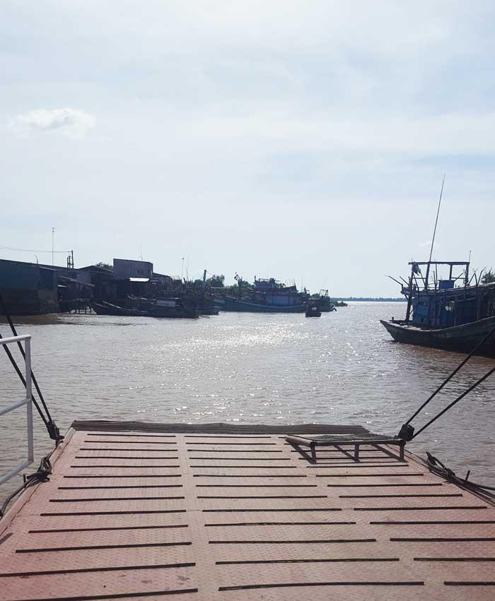 Khám phá 9 cửa sông của hệ thống sông Cửu Long 25 - Bến đò Tiệm Tôm tiến ra sông lớn