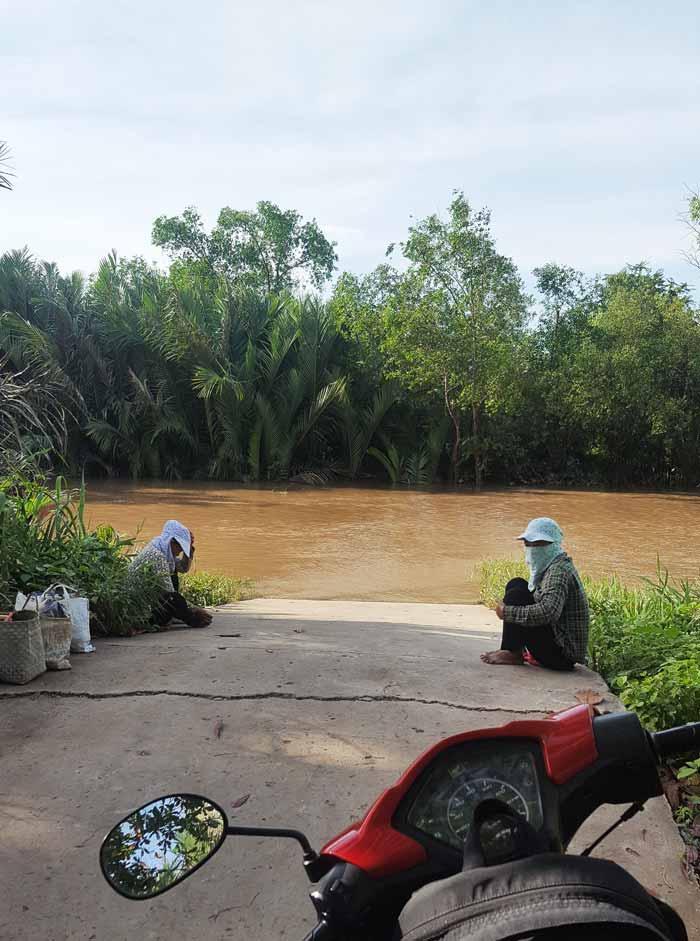 Khám phá 9 cửa sông của hệ thống sông Cửu Long 31 - Bến đò chiều qua xã Mỹ Long