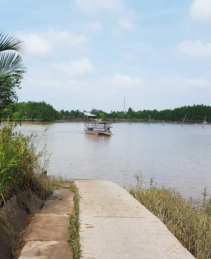 Khám phá 9 cửa sông của hệ thống sông Cửu Long 42 - Đò ngang qua sông Cồn Tròn