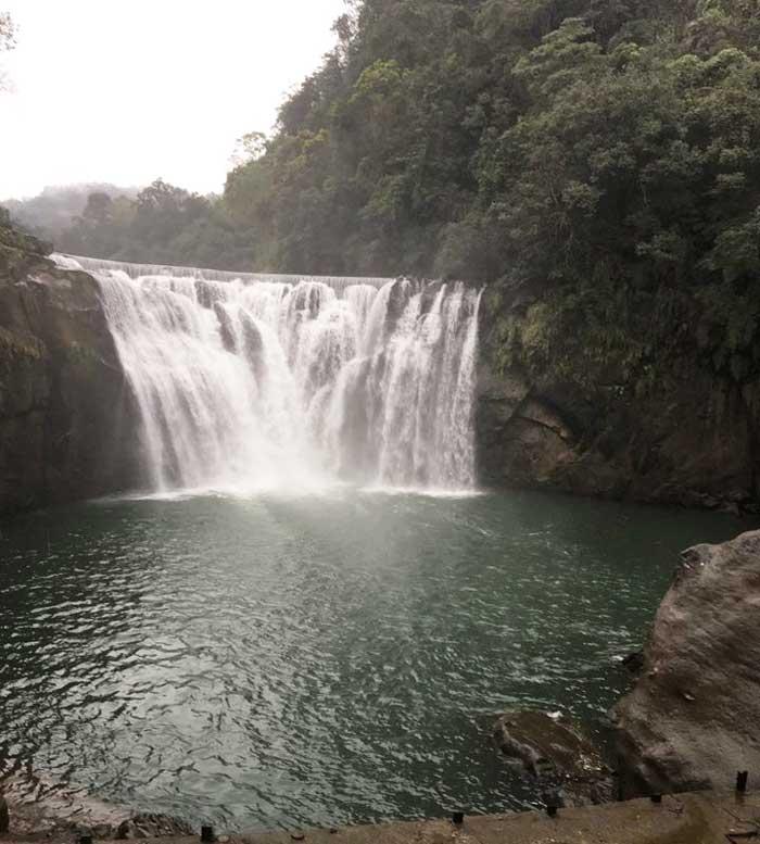 Chia sẻ kinh nghiệm du lịch bụi Đài Loan 8 - Thác nước Sifen