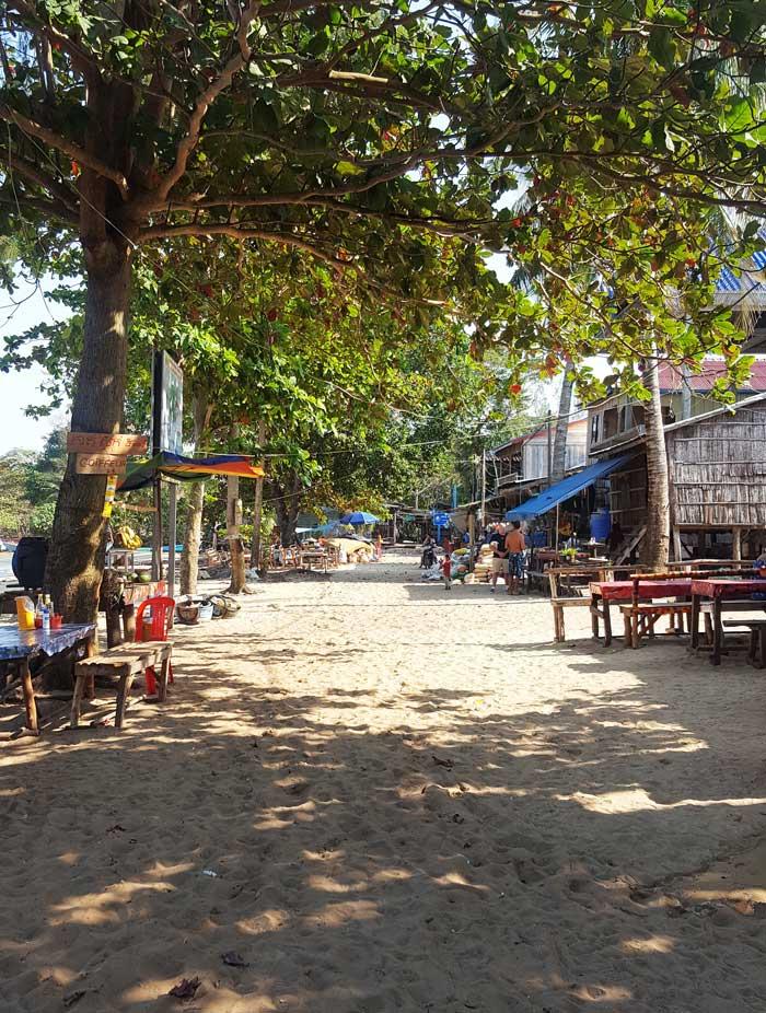 Chia sẻ kinh nghiệm du lịch bụi đảo Koh Rong Sanloem 10 - Làng M Pay Bay