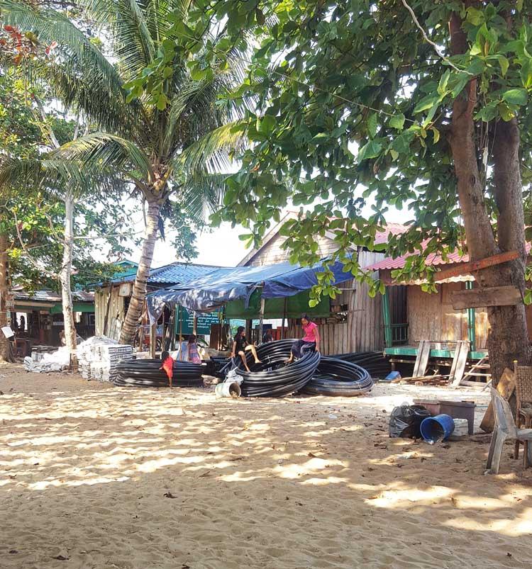 Chia sẻ kinh nghiệm du lịch bụi đảo Koh Rong Sanloem 11 - Trẻ em trong làng M Pay Bay