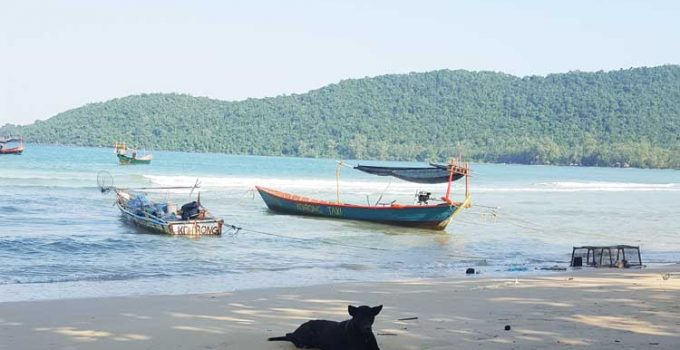 Chia sẻ kinh nghiệm du lịch bụi đảo Koh Rong Sanloem 12 - Bãi biển trong làng