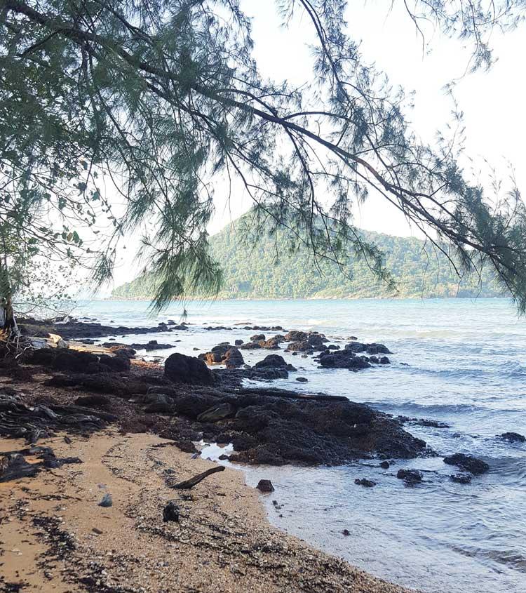 Chia sẻ kinh nghiệm du lịch bụi đảo Koh Rong Sanloem 15 - Bãi biển vắng bóng người