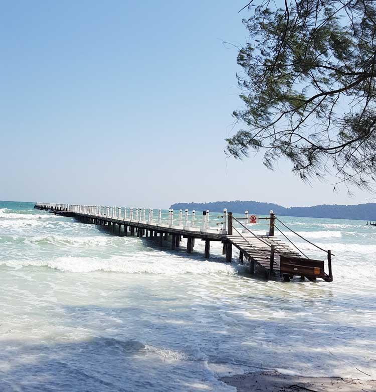 Chia sẻ kinh nghiệm du lịch bụi đảo Koh Rong Sanloem 24 - Cầu tàu ở bãi The Beach