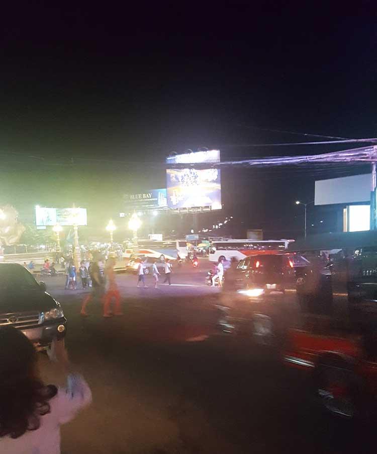 Chia sẻ kinh nghiệm du lịch bụi đảo Koh Rong Sanloem 26 - Sihanoukville về đêm