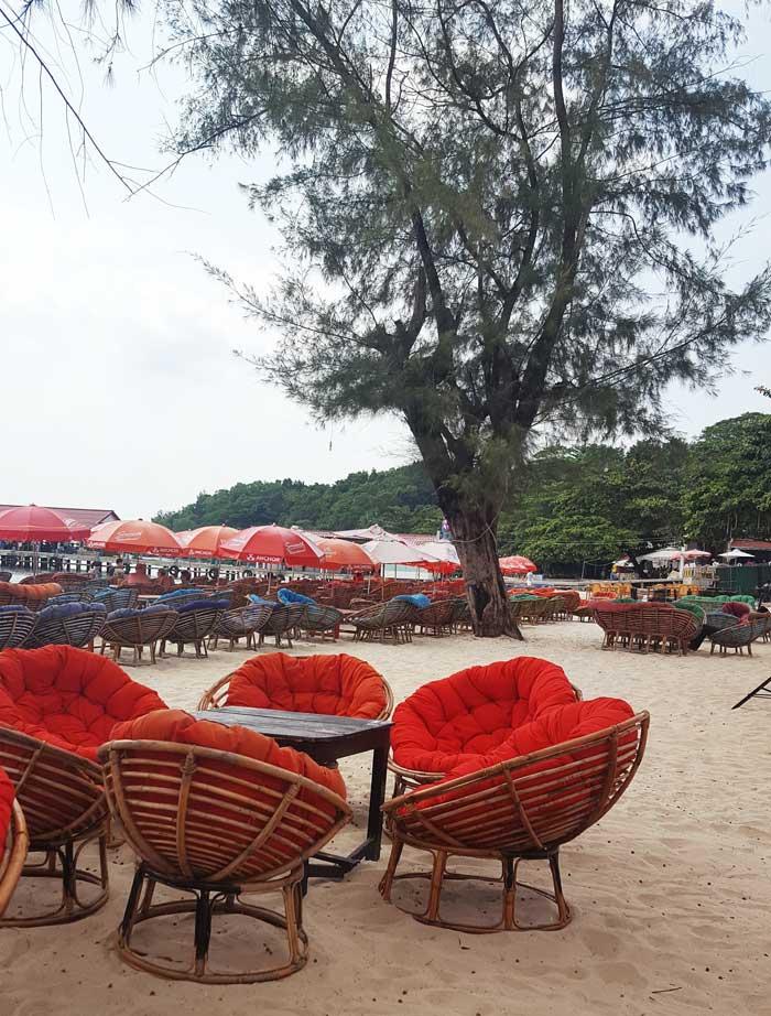 Chia sẻ kinh nghiệm du lịch bụi đảo Koh Rong Sanloem 6 - Bãi biển Chheuteal