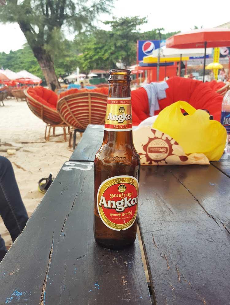 Chia sẻ kinh nghiệm du lịch bụi đảo Koh Rong Sanloem 7 - Bia Angkor