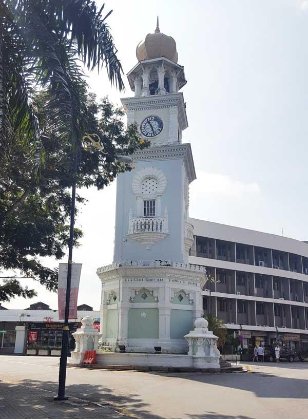 Chia sẻ kinh nghiệm du lịch bụi Penang Malaysia 10 - Clock Tower