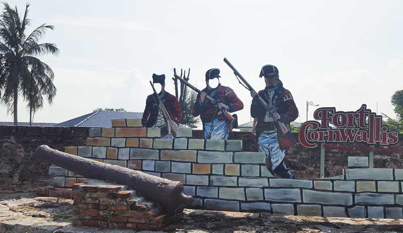 Chia sẻ kinh nghiệm du lịch bụi Penang Malaysia 11 - pháo đài Fort Cornwalls
