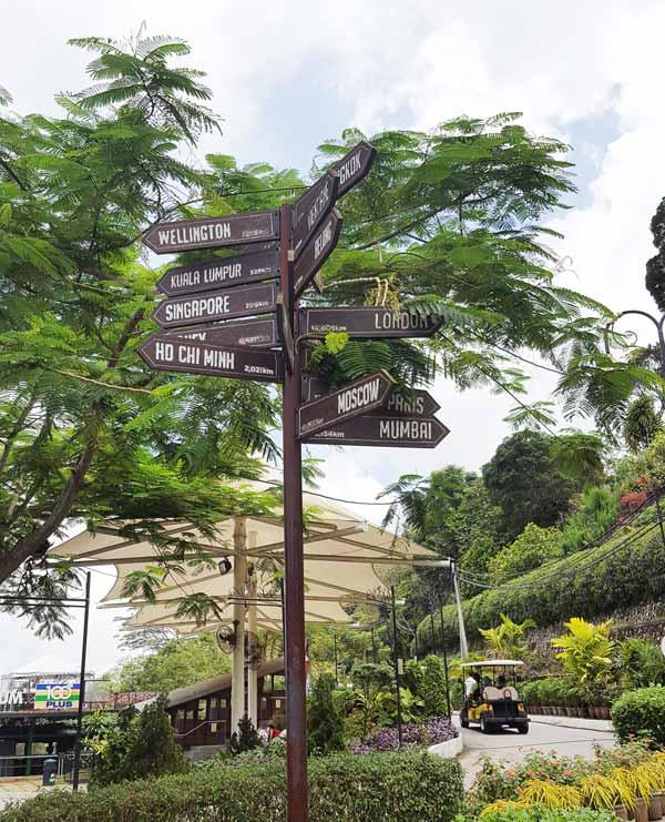Chia sẻ kinh nghiệm du lịch bụi Penang Malaysia 21 - Penang Hill signs