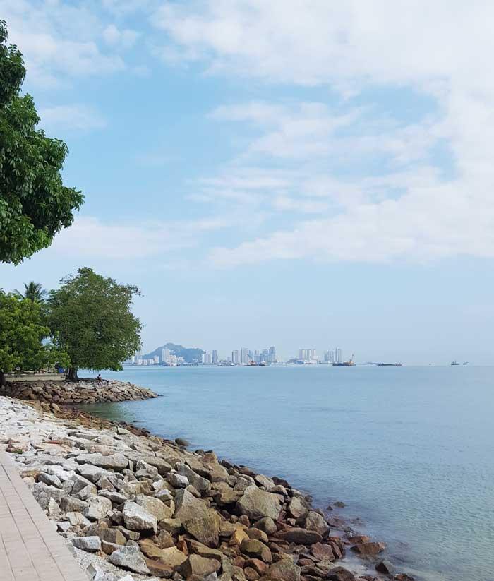 Chia sẻ kinh nghiệm du lịch bụi Penang Malaysia 9 - Kè biển Penang