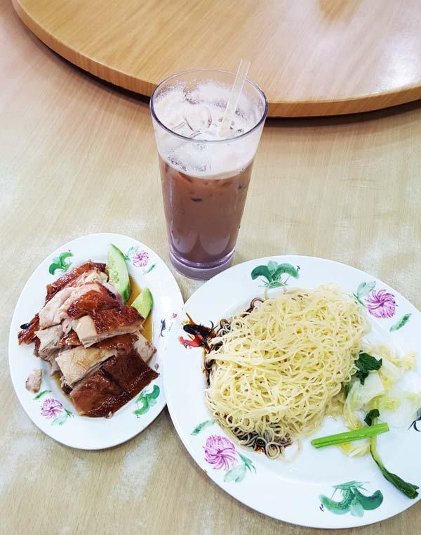 Chia sẻ kinh nghiệm du lịch bụi Malaysia - Ăn sáng ở Kuala Lumpur