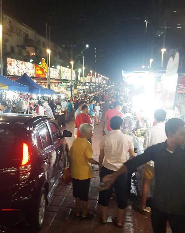 Chia sẻ kinh nghiệm du lịch bụi Malaysia - Đường Jalan Alor