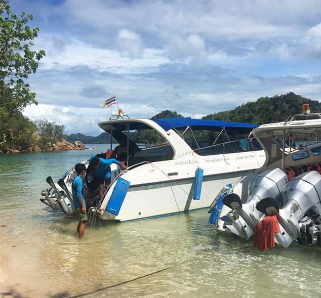 Tàu Speed Boat siêu nhanh